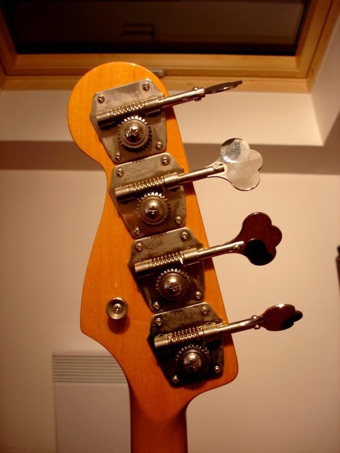 Foto Fender Jaco Pastorius Fretless Jazz Bass Laprot