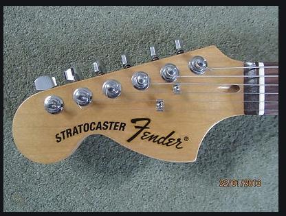 https://medias.audiofanzine.com/images/thumbs3/fender-jimi-hendrix-stratocaster-2015-2017-3093510.png