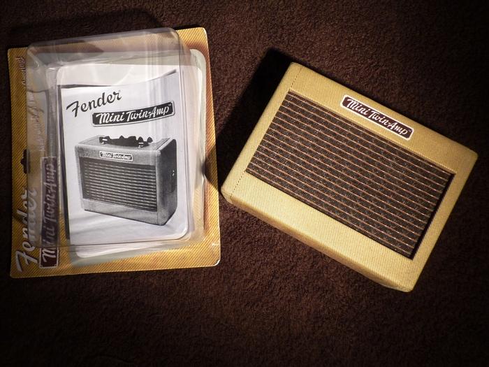 fender mini 39 57 twin amp image 523917 audiofanzine. Black Bedroom Furniture Sets. Home Design Ideas
