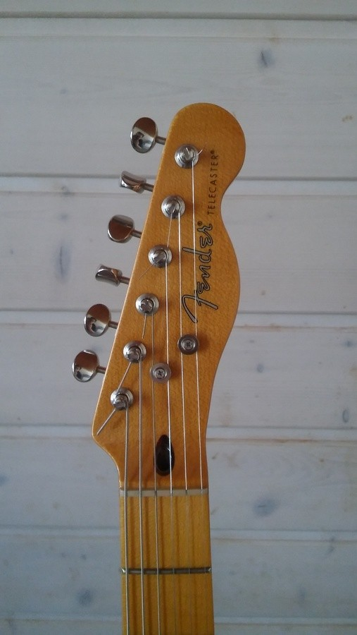 Fender Modern Player Telecaster Thinline Deluxe (7532)