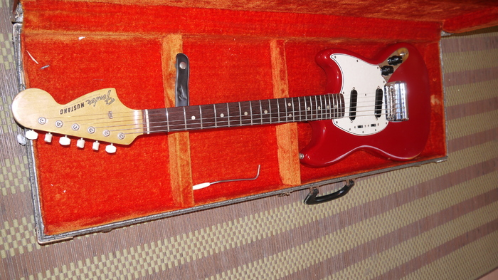Fender Mustang [1964-1982] floblues images