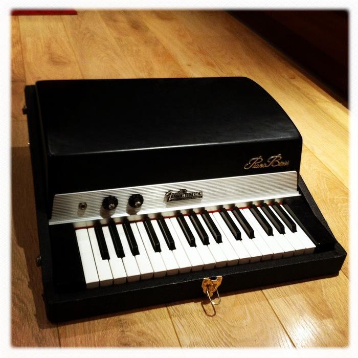 fender piano bass image 492866 audiofanzine. Black Bedroom Furniture Sets. Home Design Ideas
