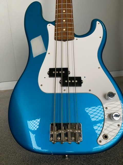 https://medias.audiofanzine.com/images/thumbs3/fender-precision-bass-japan-2958417.jpg