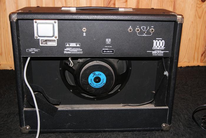 fender roc pro 1000 image 309743 audiofanzine. Black Bedroom Furniture Sets. Home Design Ideas