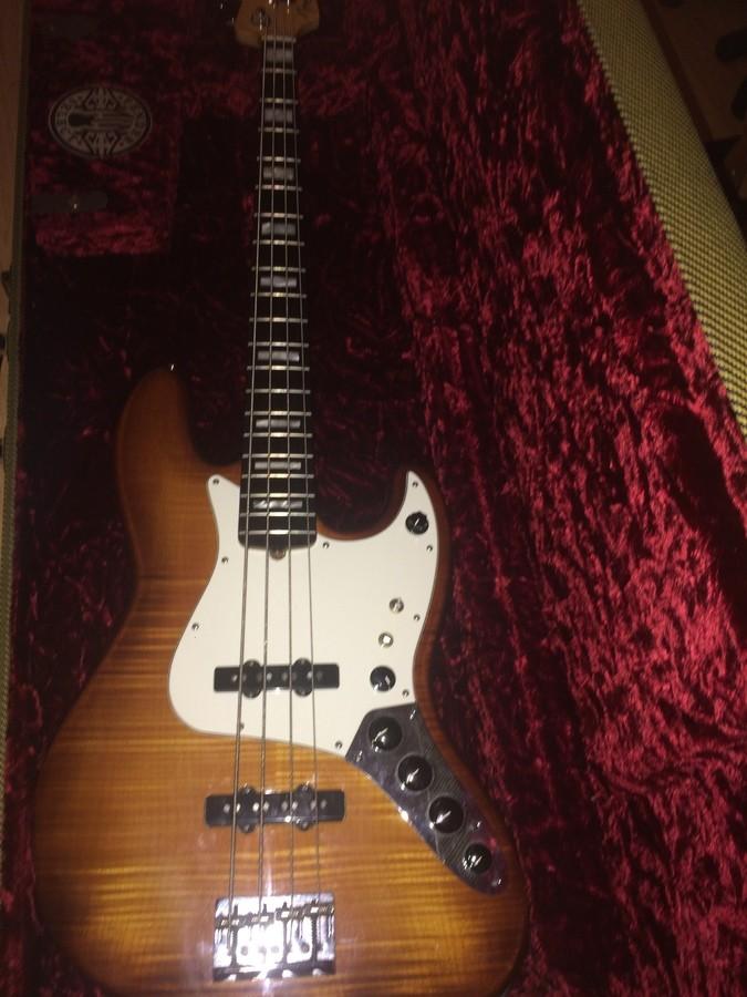 Fender Select Active Jazz Bass (26077)
