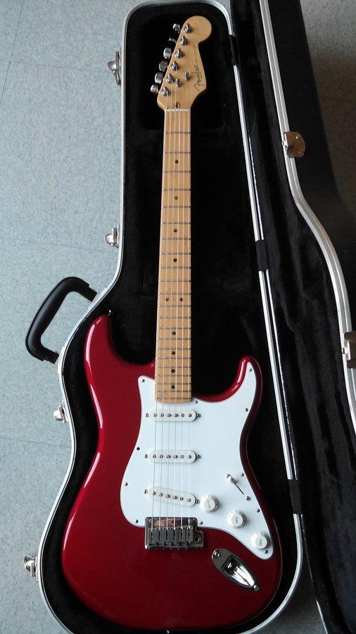 Fender Stratocaster   USA (1)