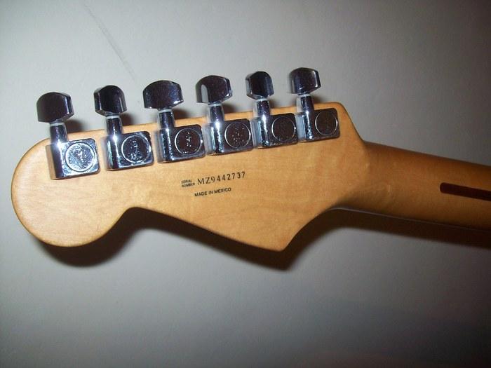 Fender Standard Stratocaster [2009-Current] (36421)