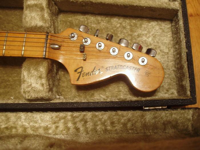 Fender Stratocaster [1965-1984] la62 images