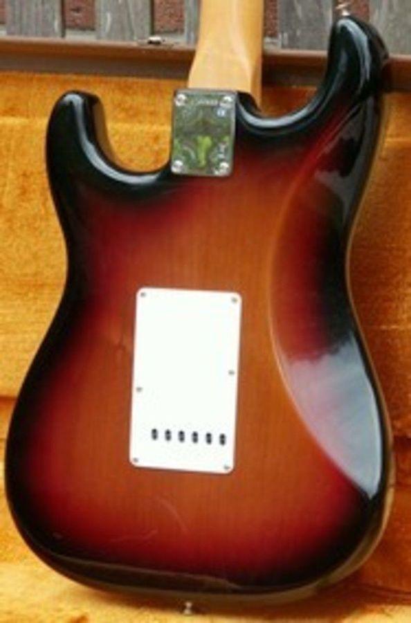 Fender American Vintage Hot Rod 62 Stratocaster Electric
