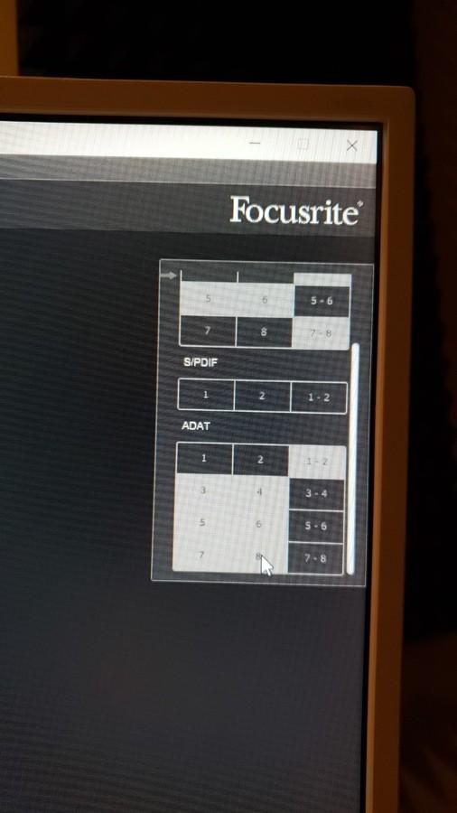 https://medias.audiofanzine.com/images/thumbs3/focusrite-scarlett2-18i20-2820863.jpg