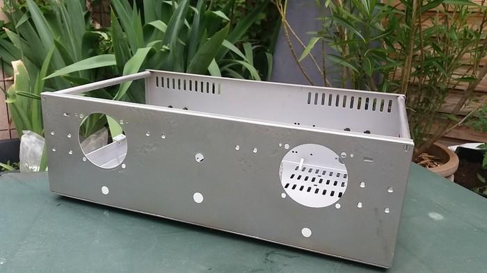 https://medias.audiofanzine.com/images/thumbs3/frank-electronics-b200-3051839.jpg
