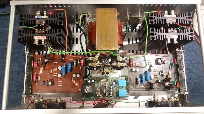 https://medias.audiofanzine.com/images/thumbs3/frank-electronics-b200-3051842.jpg
