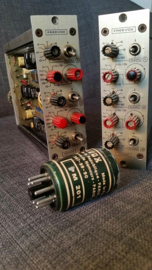 https://medias.audiofanzine.com/images/thumbs3/freevox-antenna-1ere-generation-2444332.jpg