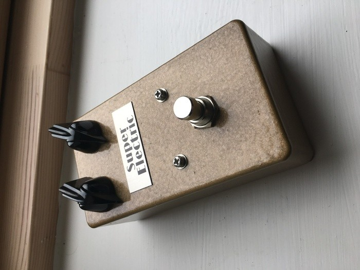 https://medias.audiofanzine.com/images/thumbs3/fuzz-guitare-3058866.jpeg