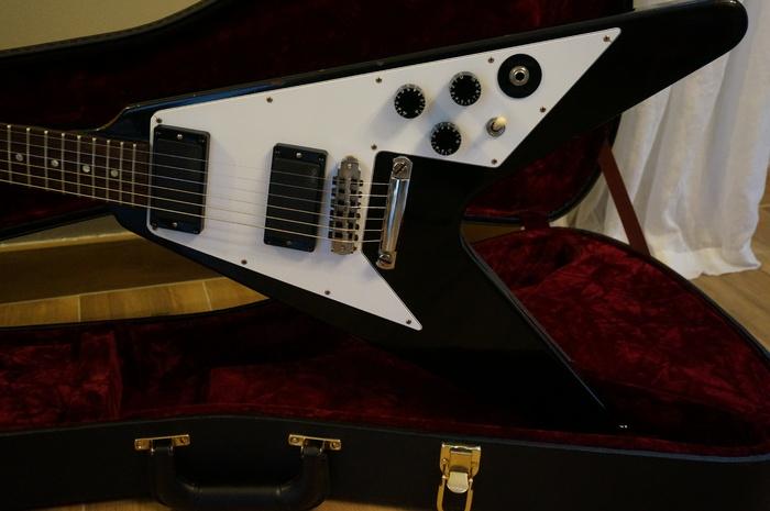 Gibson Kirk Hammett Flying V - Aged image (#759095 ...