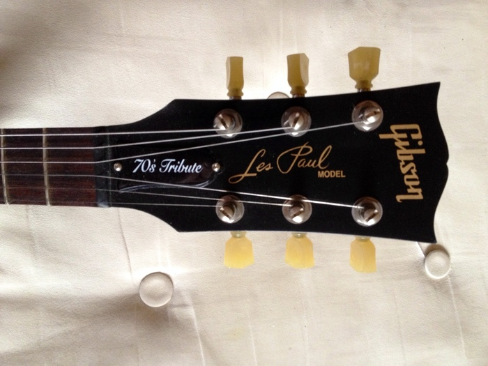 ebony Gibson 70s tribute les paul