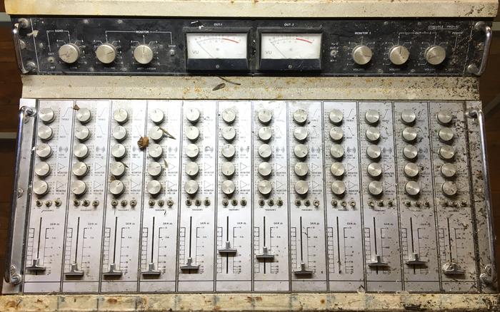 https://medias.audiofanzine.com/images/thumbs3/golden-sound-pro-12-3126650.png