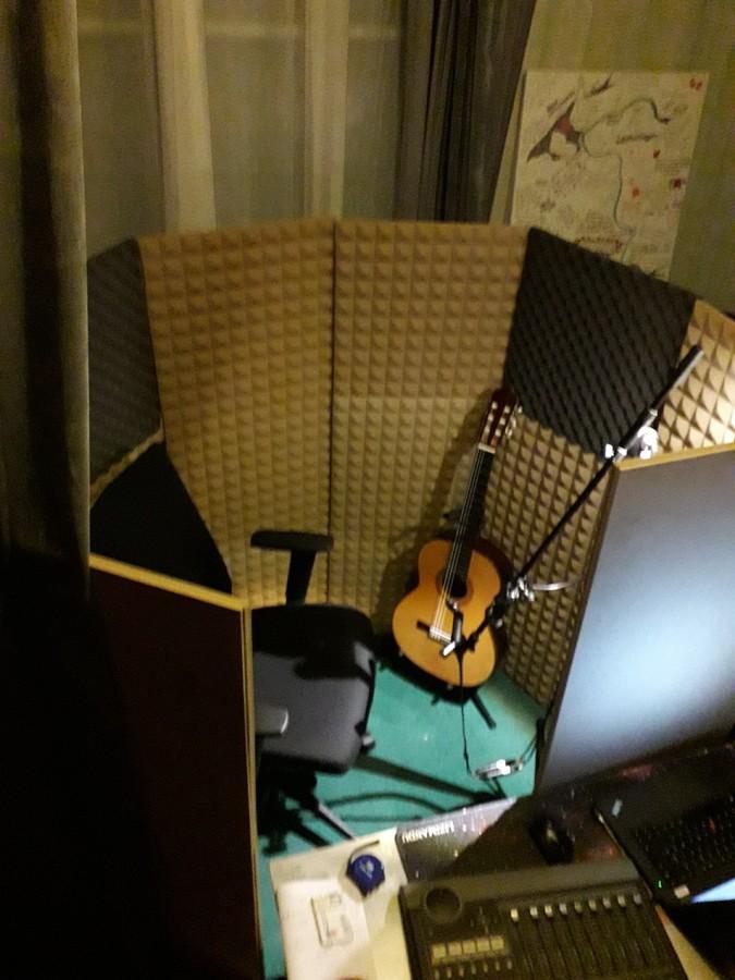 https://medias.audiofanzine.com/images/thumbs3/guitares-classiques-nylon-2849715.jpg