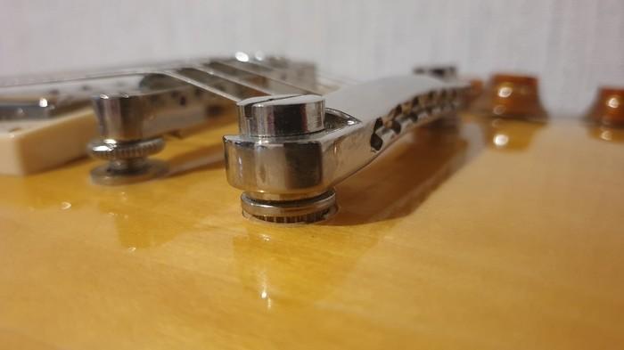 https://medias.audiofanzine.com/images/thumbs3/guitares-de-forme-lp-3154980.jpg