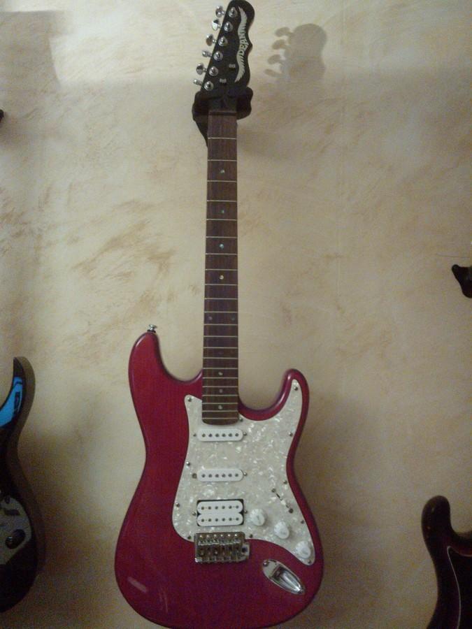 https://medias.audiofanzine.com/images/thumbs3/guitares-de-forme-sc-2664207.jpg