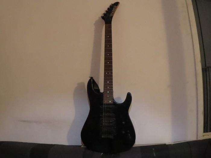 https://medias.audiofanzine.com/images/thumbs3/guitares-de-forme-sc-3056024.jpg