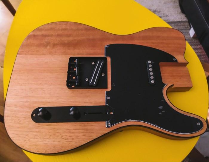 https://medias.audiofanzine.com/images/thumbs3/guitares-de-forme-tc-2944392.jpg