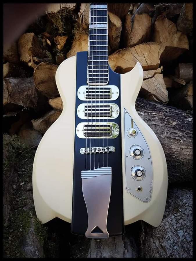 https://medias.audiofanzine.com/images/thumbs3/guitares-electriques-2981282.jpg