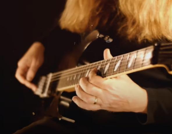 https://medias.audiofanzine.com/images/thumbs3/guitares-electriques-3356423.png