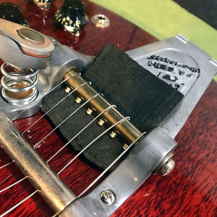 https://medias.audiofanzine.com/images/thumbs3/guitares-electriques-3362972.jpeg