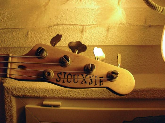 https://medias.audiofanzine.com/images/thumbs3/guitares-electriques-solid-body-2942015.jpg