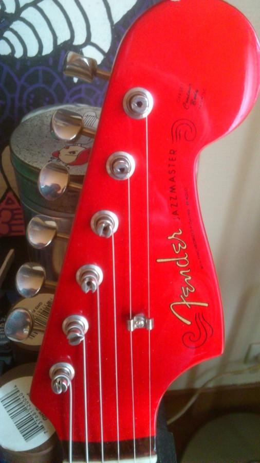 https://medias.audiofanzine.com/images/thumbs3/guitares-electriques-solid-body-2955286.jpg