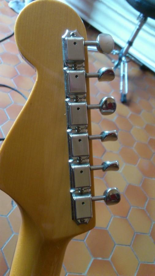 https://medias.audiofanzine.com/images/thumbs3/guitares-electriques-solid-body-2955287.jpg