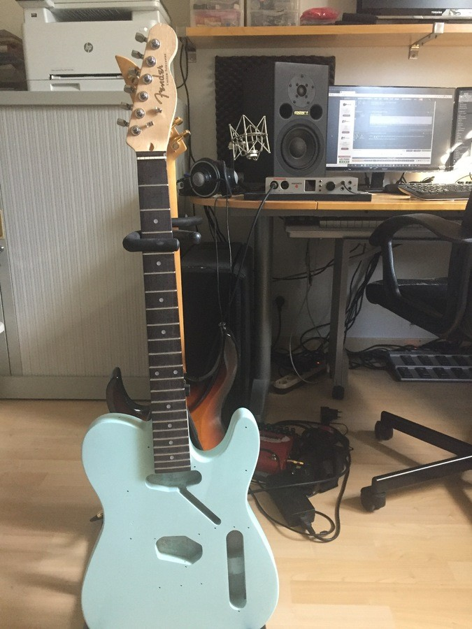 https://medias.audiofanzine.com/images/thumbs3/guitares-electriques-solid-body-2957477.jpg