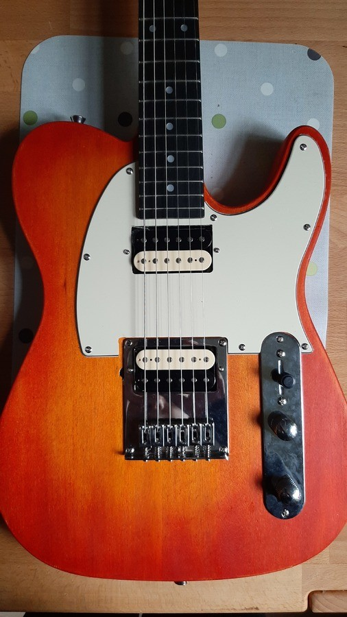 https://medias.audiofanzine.com/images/thumbs3/guitares-electriques-solid-body-2968735.jpg