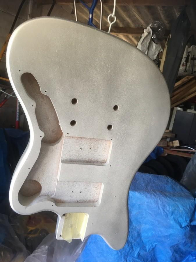 https://medias.audiofanzine.com/images/thumbs3/guitares-electriques-solid-body-2986935.jpeg