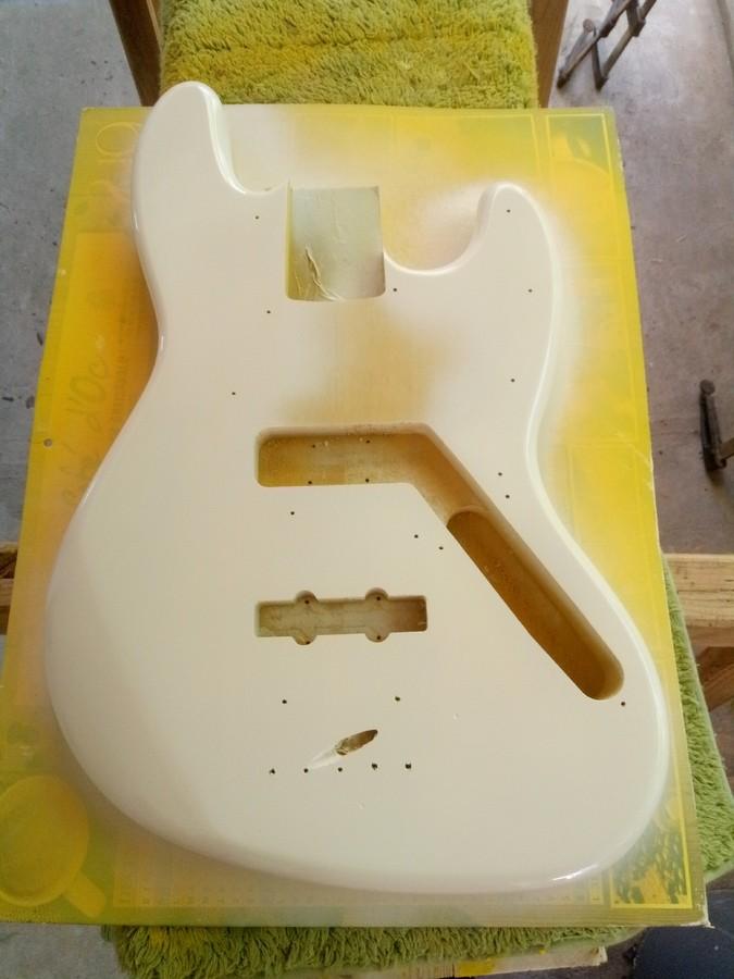 https://medias.audiofanzine.com/images/thumbs3/guitares-electriques-solid-body-2987603.jpg