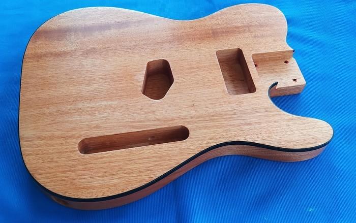 https://medias.audiofanzine.com/images/thumbs3/guitares-electriques-solid-body-3009443.jpg