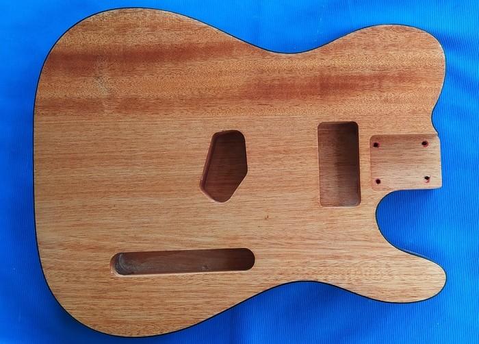 https://medias.audiofanzine.com/images/thumbs3/guitares-electriques-solid-body-3009448.jpg