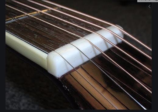 https://medias.audiofanzine.com/images/thumbs3/guitares-electriques-solid-body-3029618.png