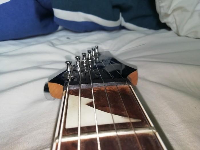 https://medias.audiofanzine.com/images/thumbs3/guitares-electriques-solid-body-3030132.jpg