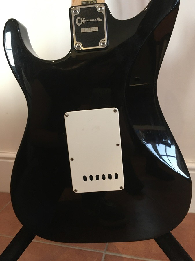https://medias.audiofanzine.com/images/thumbs3/guitars-3112186.jpg