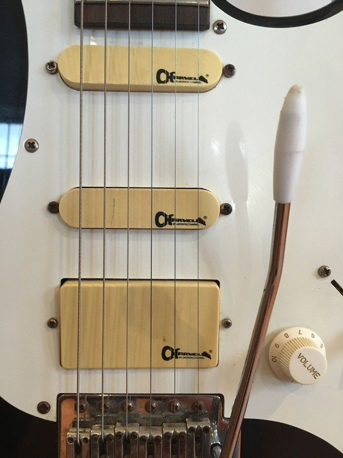 https://medias.audiofanzine.com/images/thumbs3/guitars-3112193.jpg