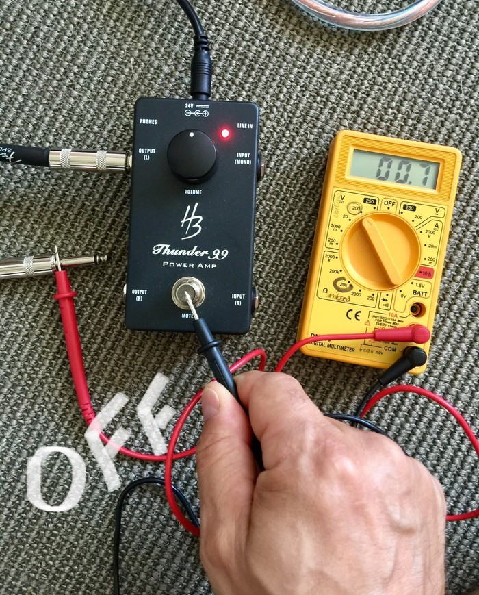 https://medias.audiofanzine.com/images/thumbs3/harley-benton-custom-line-thunder-99-3071084.jpg