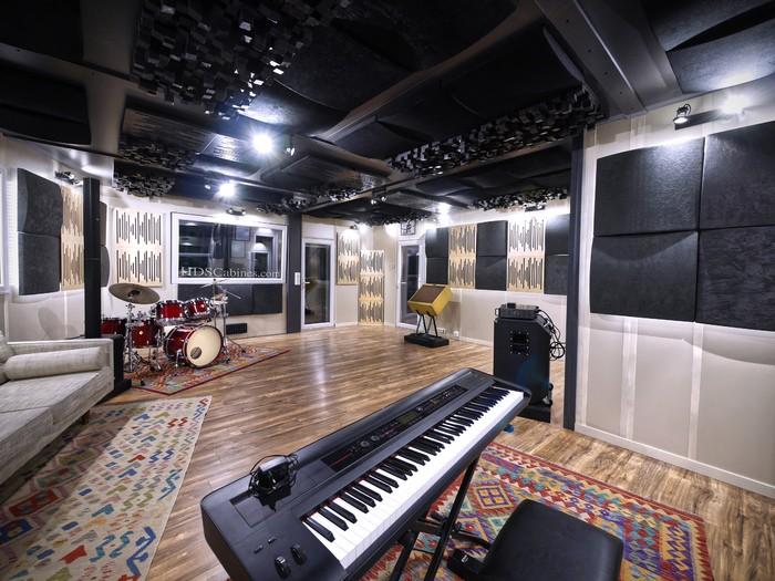 https://medias.audiofanzine.com/images/thumbs3/hds-cabines-cabine-acoustique-2961775.jpg