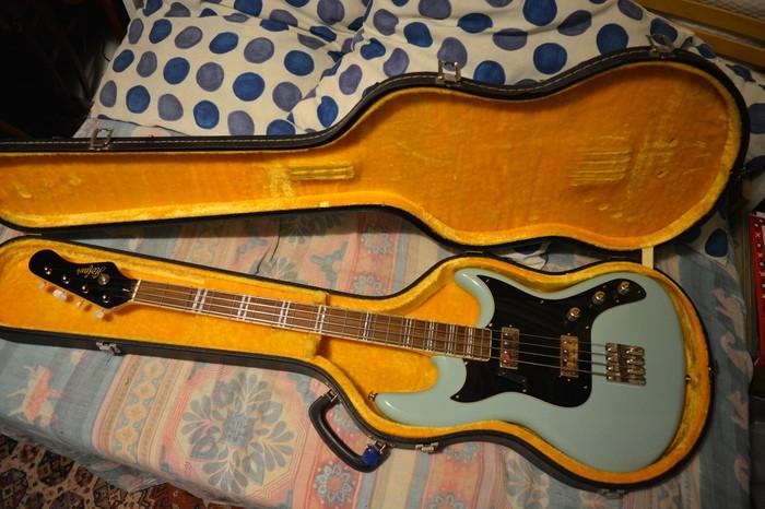Hofner Guitars HCT Galaxie Short Scale Bass (76272)