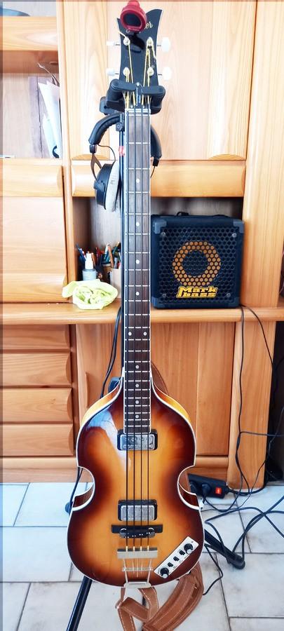https://medias.audiofanzine.com/images/thumbs3/hofner-guitars-violin-bass-contemporary-series-3428231.jpg