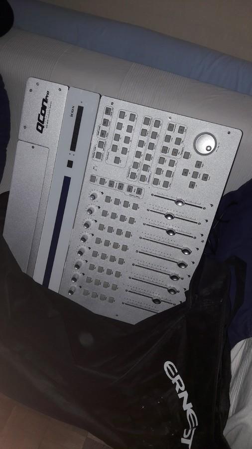 iCon QCon Pro (11361)