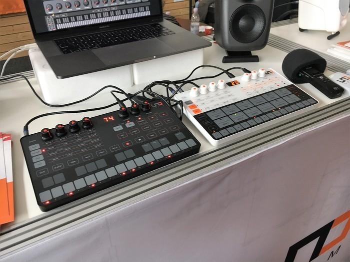 https://medias.audiofanzine.com/images/thumbs3/ik-multimedia-uno-drum-2621022.jpg