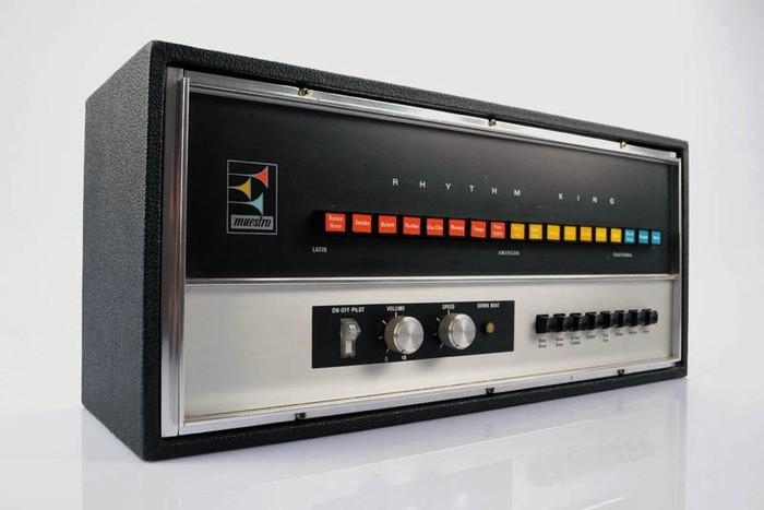 https://medias.audiofanzine.com/images/thumbs3/instruments-electroniques-2931465.jpeg