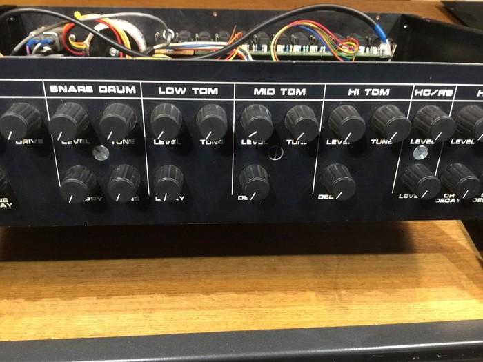 Introspectiv 9090 (12900)